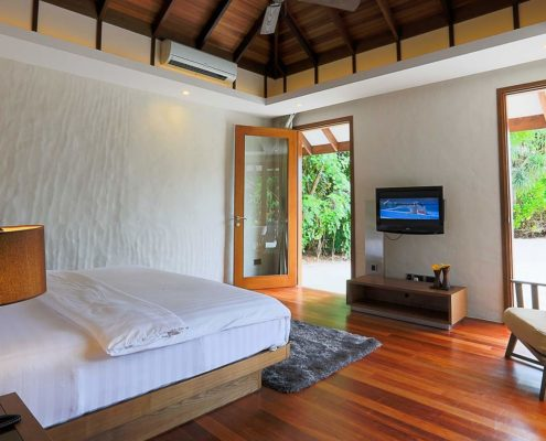 Maldives Villas - Deluxe Sunset Beach Villa - Hideaway Beach Resort & Spa