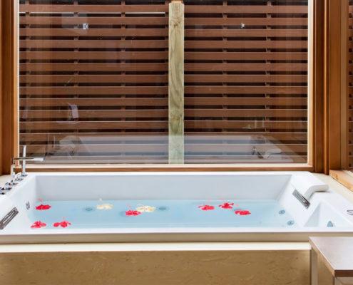 Maldives Resorts - Villas - Ocean Villa Bathroom - Hideaway Beach Resort & Spa