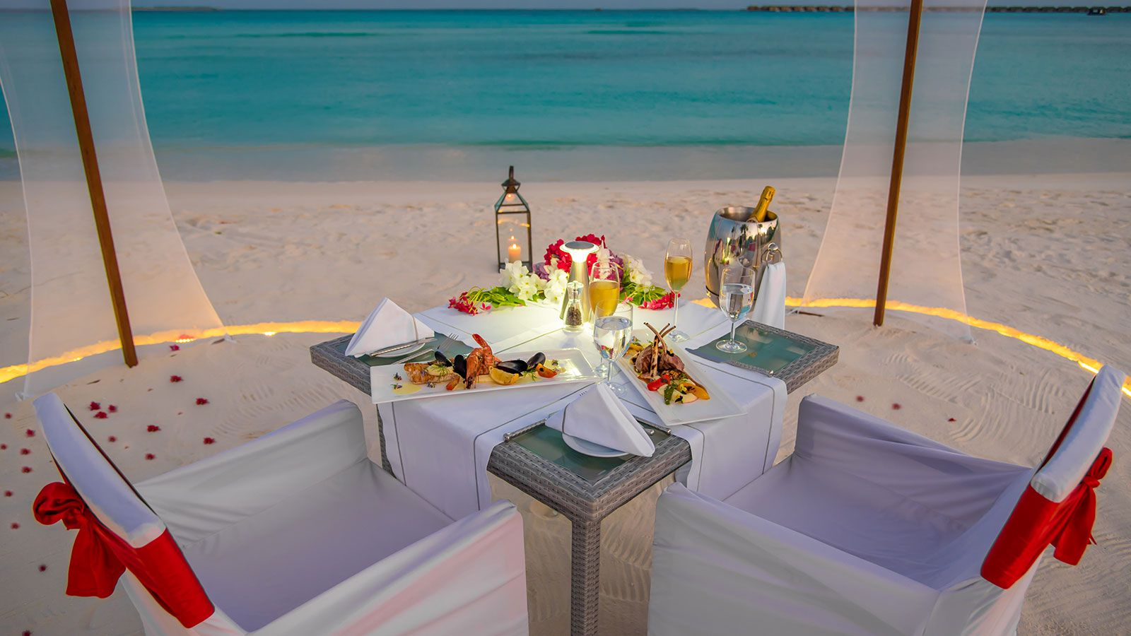 Maldives Couple - Maldives Candle Light Dinner - Hideaway Beach Resort