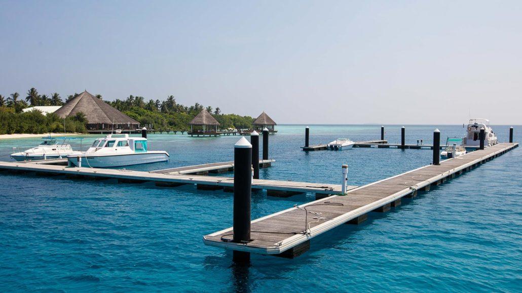 yachthafen auf den malediven yachthafen 5 sterne resort. Black Bedroom Furniture Sets. Home Design Ideas