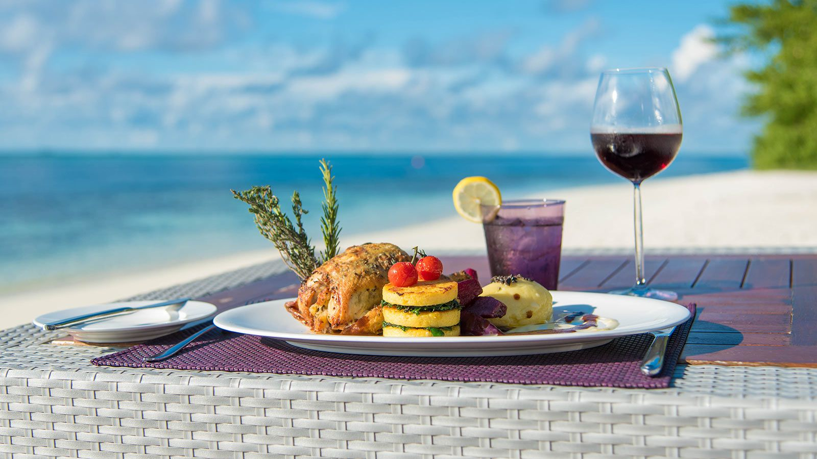 Hideaway Maldives Resort Food & Drink
