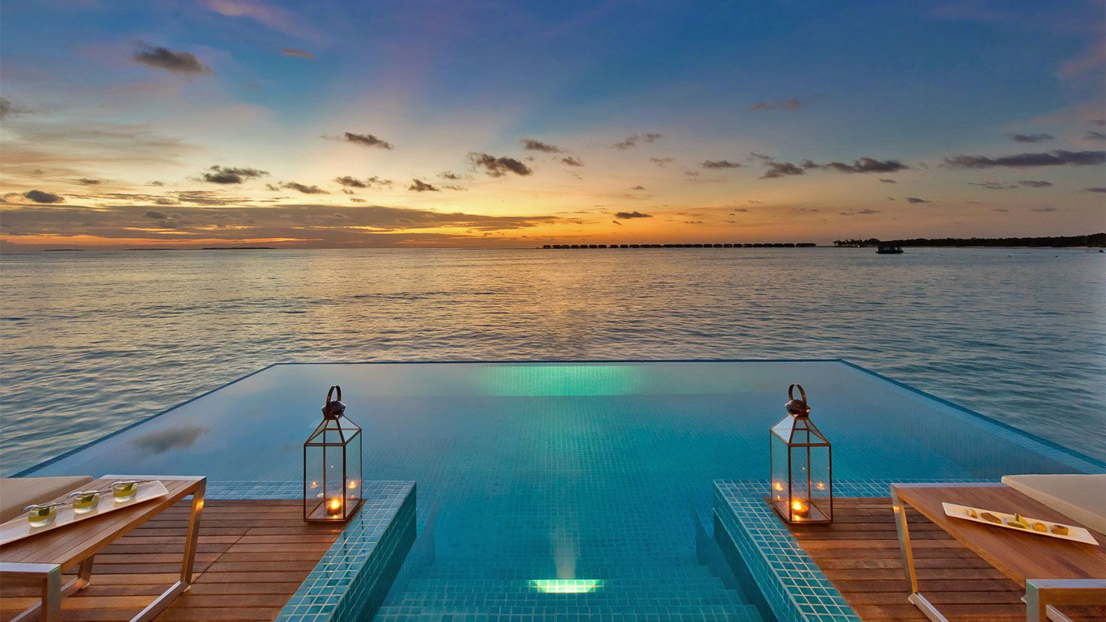 Maldives images hideaway luxury maldives resort image for Pool pictures