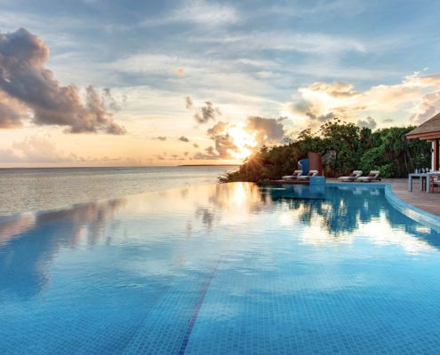 Hideaway Maldives Resort Infinity Pool