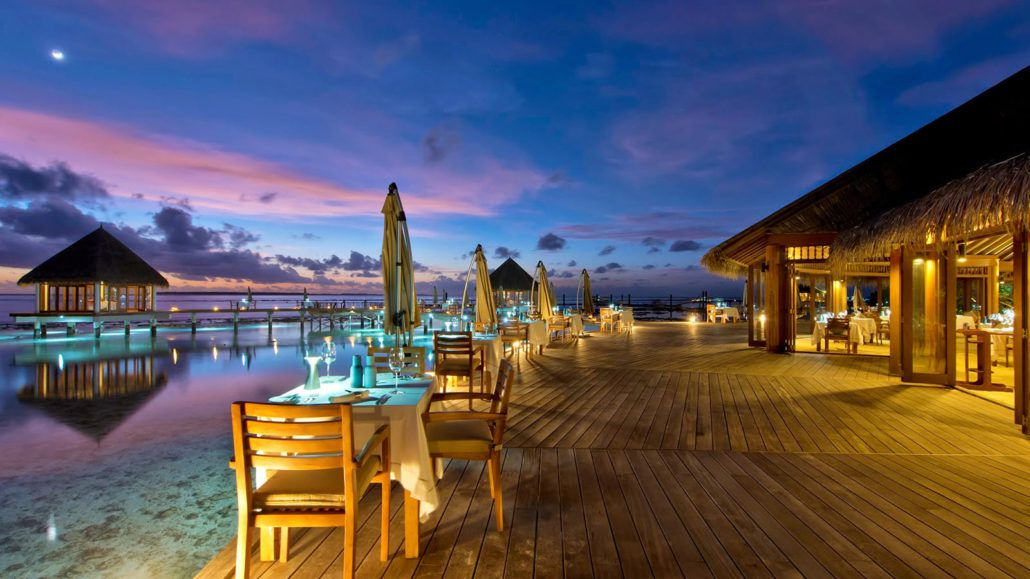 Hideaway Maldives Resort Restaurants - Sunset Pool Cafe